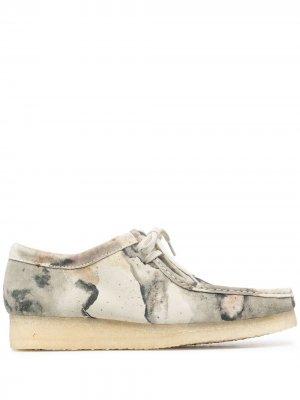 Туфли Wallabee на шнуровке Clarks Originals. Цвет: нейтральные цвета