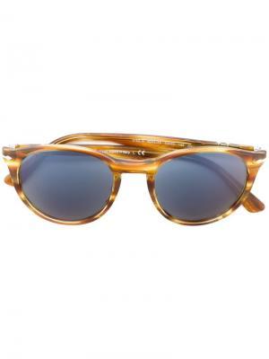 Солнцезащитные очки в круглой оправе Persol. Цвет: нейтральные цвета