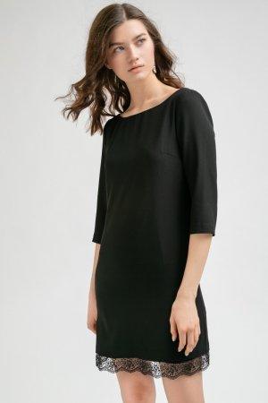 Платье с вырезом на спинке и кружевом EMKA