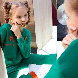 Комплект пуловера и джоггеров для девочек SHEIN. Цвет: темно-зеленый