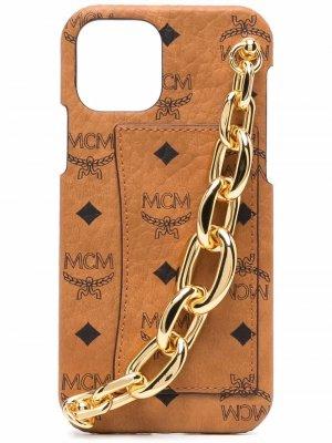 Чехол для iPhone 12 с принтом Visetos и цепочкой MCM. Цвет: коричневый