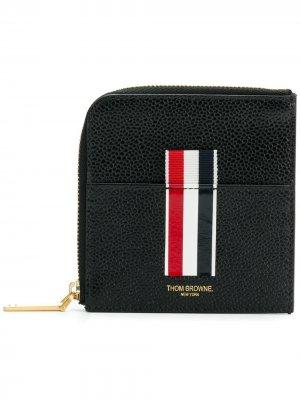 Vertical Intarsia Stripe Zip-around Wallet In Pebble Grain Leather Thom Browne. Цвет: черный