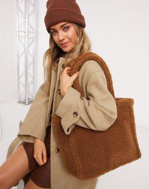 Коричневая плюшевая сумка-тоут из переработанной овчины Renee-Коричневый Monki