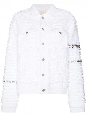 Джинсовая куртка с заклепками из коллаборации Blackmeans 1017 ALYX 9SM. Цвет: белый