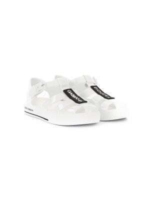 Туфли с нашивкой-логотипом Dolce & Gabbana Kids. Цвет: белый