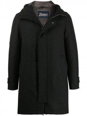 Пальто с капюшоном Herno. Цвет: серый