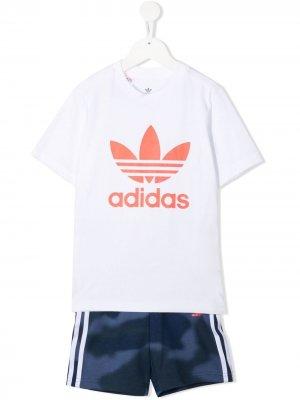Костюм-двойка с логотипом adidas Kids. Цвет: белый