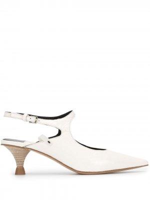 Туфли-лодочки на низком каблуке с вырезами Premiata. Цвет: белый