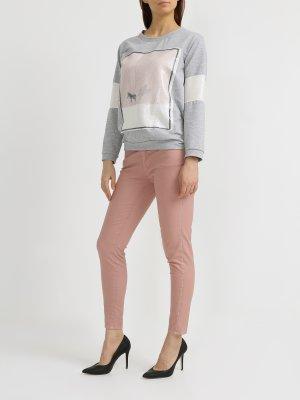 Зауженные джинсы Rinascimento. Цвет: rozovyy