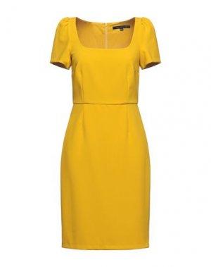 Короткое платье FRENCH CONNECTION. Цвет: охра