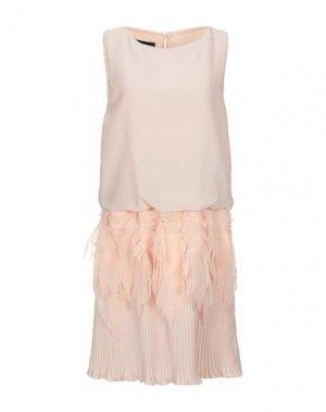 Короткое платье GIO' GUERRERI. Цвет: песочный