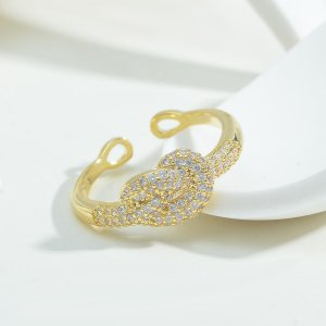 Открытое кольцо 14K позолоченный с цирконом узлом SHEIN. Цвет: золотистый