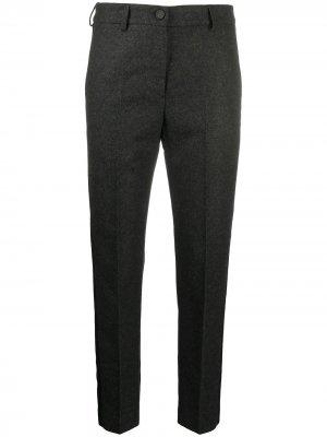Зауженные брюки строгого кроя с лампасами Golden Goose. Цвет: серый