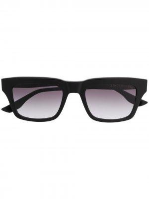 Солнцезащитные очки в квадратной оправе с затемненными линзами Dita Eyewear. Цвет: черный