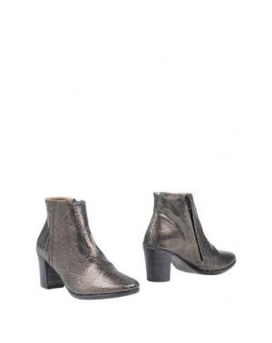 Полусапоги и высокие ботинки ESSEutESSE