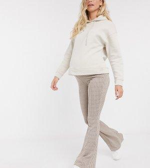 Розовые расклешенные брюки от комплекта -Розовый Missguided Maternity