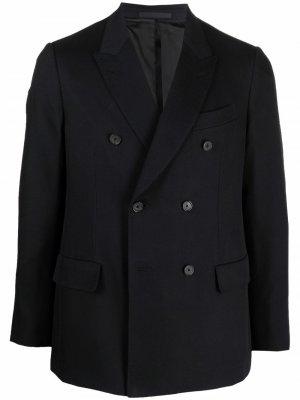 Двубортный пиджак строгого кроя Caruso. Цвет: черный