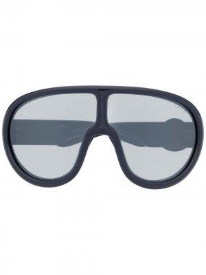 Солнцезащитные очки в массивной оправе Moncler Eyewear. Цвет: синий