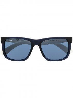 Солнцезащитные очки Justin в прямоугольной оправе Ray-Ban. Цвет: синий