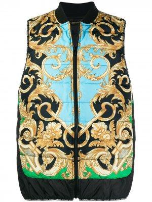 Дутый жилет с принтом Barocco Versace. Цвет: синий