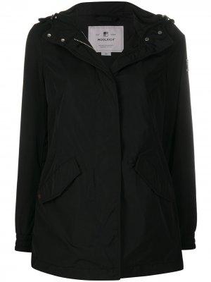 Куртка с потайной застежкой на молнию Woolrich. Цвет: черный