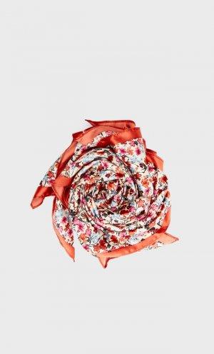Платок С Цветочным Принтом Цвет Небеленого Полотна 103 Stradivarius. Цвет: цвет небеленого полотна