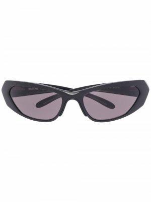 Солнцезащитные очки в оправе кошачий глаз Balenciaga. Цвет: черный