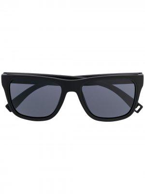 Солнцезащитные очки в квадратной оправе Lacoste. Цвет: черный