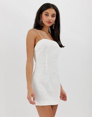 Платье мини с вышивкой ришелье Kobie-Белый Finders Keepers