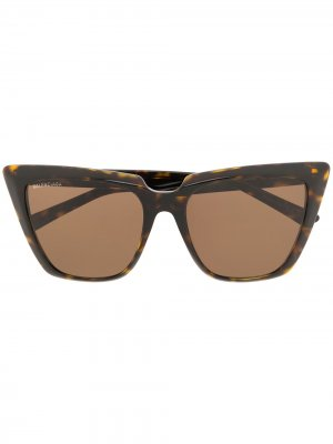 Солнцезащитные очки в оправе черепаховой расцветки Balenciaga Eyewear. Цвет: коричневый