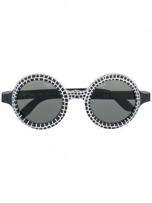 Солнцезащитные очки в круглой оправе 10 CORSO COMO. Цвет: черный