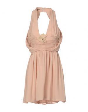 Короткое платье BETTY BLUE. Цвет: телесный