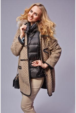 Модный женский дафлкот с капюшоном Visconf/Violanti. Цвет: орех
