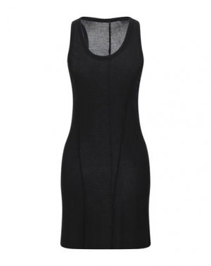 Короткое платье MASNADA. Цвет: черный