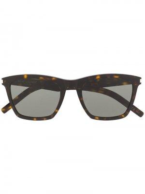 Солнцезащитные очки в квадратной оправе черепаховой расцветки Saint Laurent Eyewear. Цвет: коричневый