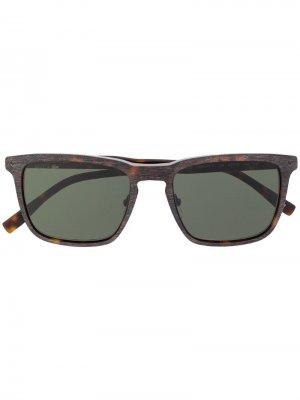 Солнцезащитные очки в квадратной оправе Lacoste. Цвет: коричневый