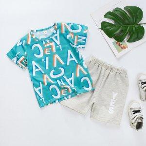 Футболка и шорты с текстовым принтом для мальчиков SHEIN. Цвет: зелёный