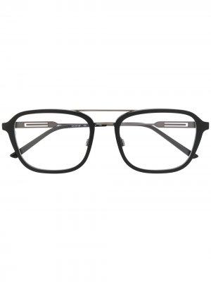 Очки в квадратной оправе с логотипом Calvin Klein. Цвет: черный