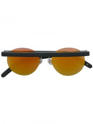 Солнцезащитные очки с прямым мостом Han Kjøbenhavn. Цвет: черный