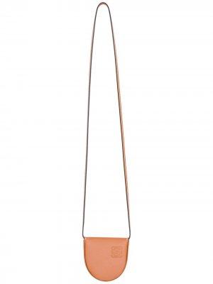 Маленький кошелек Heel со шнурком на шею LOEWE. Цвет: коричневый