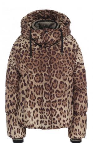 Стеганый пуховик свободного кроя с леопардовым принтом и капюшоном Dolce & Gabbana. Цвет: коричневый