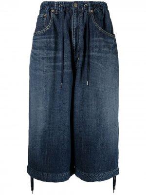Джинсовые шорты Fumito Ganryu. Цвет: синий