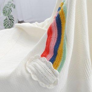 Одеяло с радужным принтом SHEIN. Цвет: белый