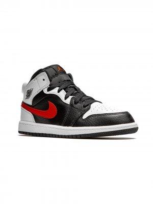 Кроссовки Jordan 1 Mid Kids. Цвет: черный