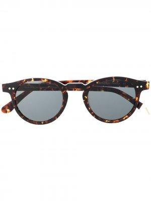 Солнцезащитные очки Auguste в круглой оправе Waiting For The Sun. Цвет: коричневый