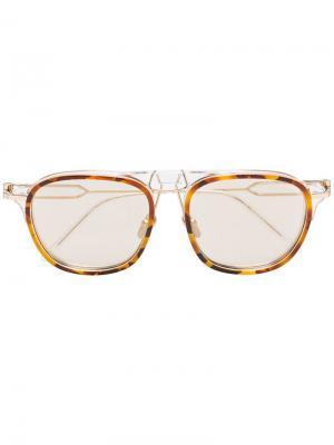 Солнцезащитные очки в закругленной оправе Calvin Klein 205W39nyc. Цвет: коричневый