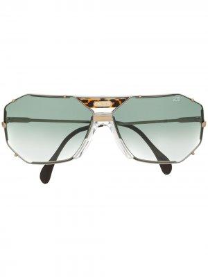 Солнцезащитные очки в геометричной оправе Cazal. Цвет: серебристый