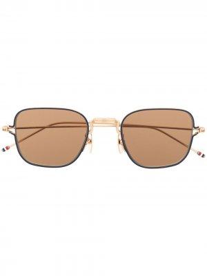 Солнцезащитные очки в тонкой оправе Thom Browne Eyewear. Цвет: золотистый