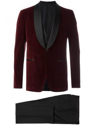Костюм-тройка с пиджаком смокинг Salvatore Ferragamo. Цвет: красный