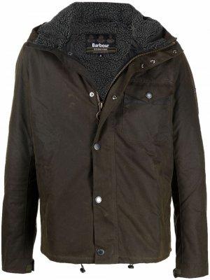 Легкая непромокаемая куртка Barbour. Цвет: зеленый